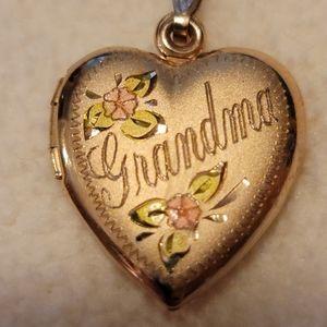 14K Grandma Locket with chain.